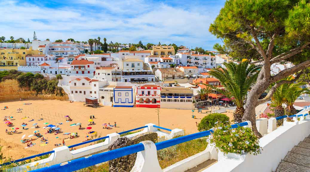 Why Algarve Holidays Are The Perfect Off Peak Choice