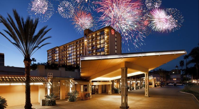 Cheap Hotels Near Disneyland Los Angeles